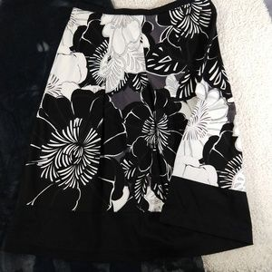 2/$20 East 5th Black, White & Grey Skirt